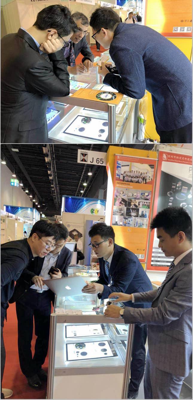 国外展会客户了解滤光片产品